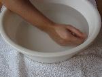 1.ruku kúpať v 25°C teplej vode